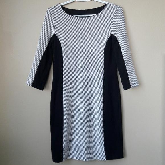 Banana Republic Dresses & Skirts - Banana Republic 3/4 Sleeve Dress Black & White